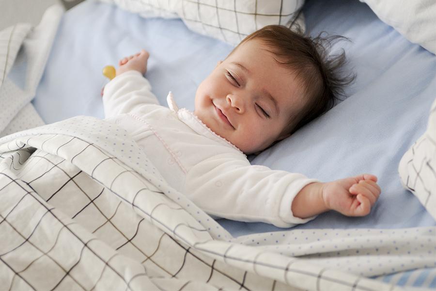 Dinh dưỡng hợp lý giúp trẻ ngủ ngon hơn