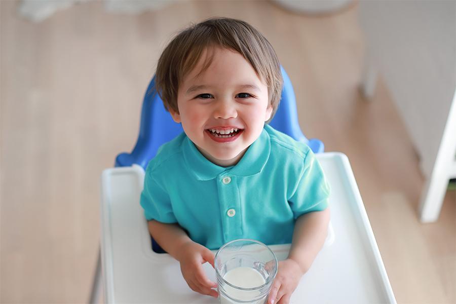 Sữa công thức bổ sung dinh dưỡng cho trẻ phát triển toàn diện