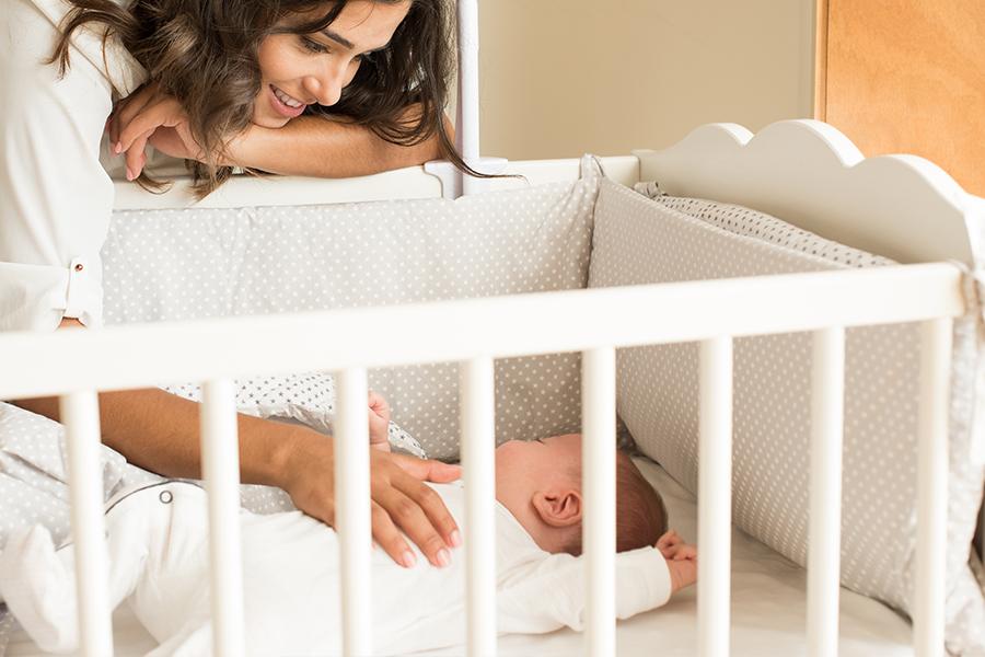 Chăm sóc trẻ bị sốt phát ban hợp lý