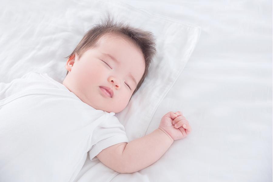 Cho trẻ dưới 1 tháng tuổi ngủ đúng cách