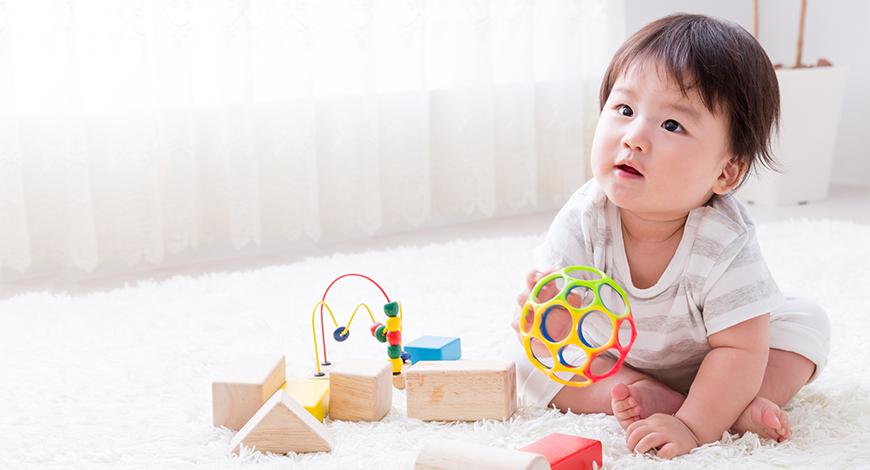 Các mốc phát triển của trẻ từ 6 -12 tháng