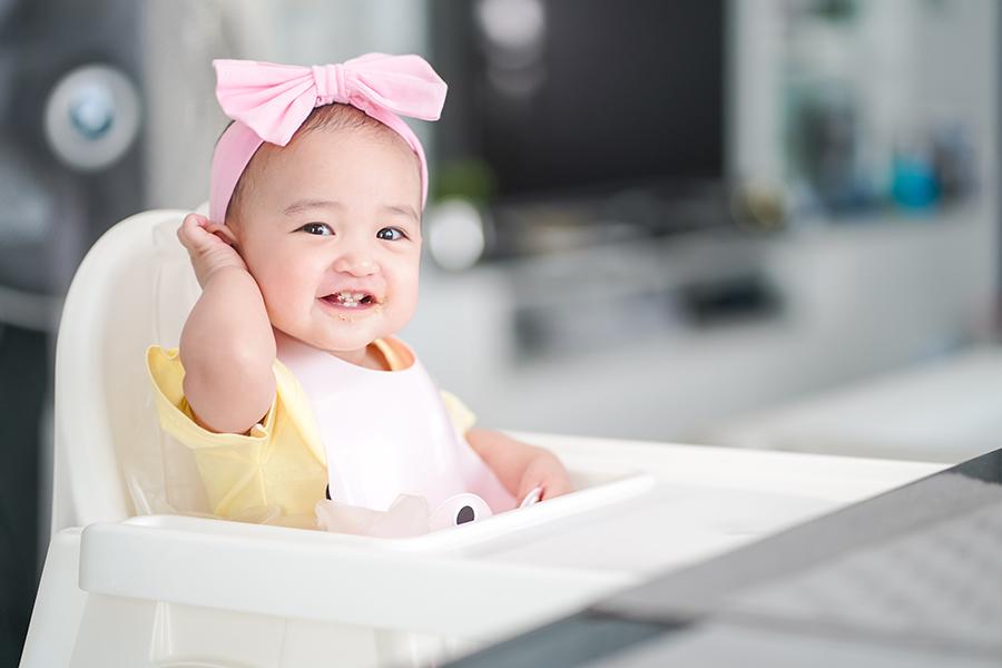Trẻ thường mọc răng cửa trước tiên